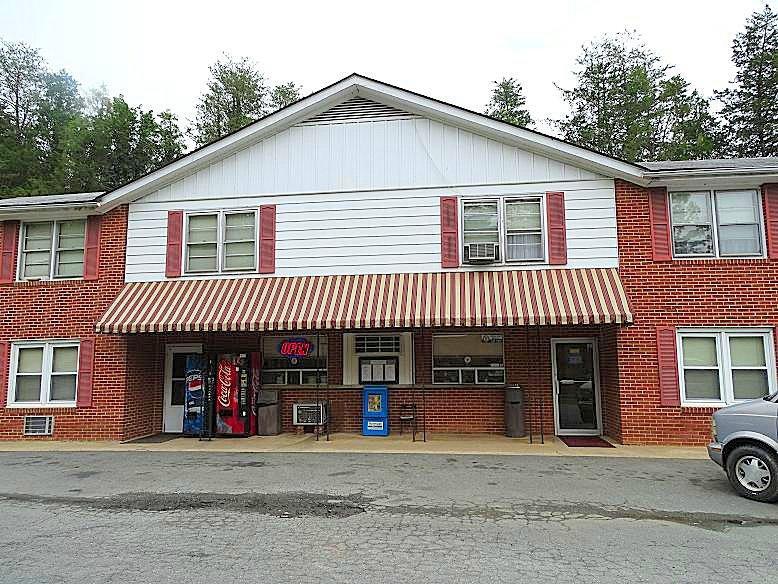 Lumpkins Restaurant & Motel