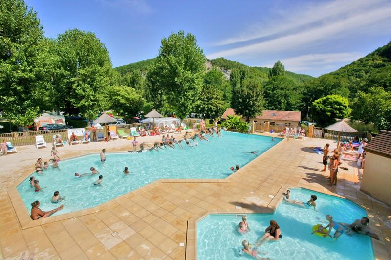 Camping la bouysse vitrac dordogne france campground for Camping sarlat avec piscine