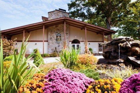 Cat Creek Lodge