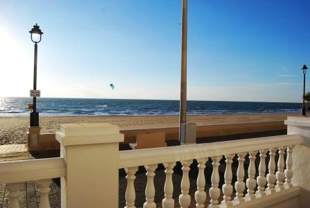 Hostal Rompeolas Playa