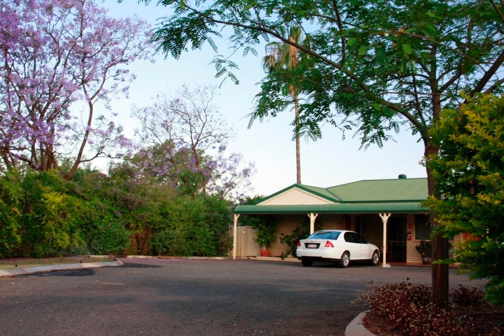 Riverland Motor Inn Updated 2017 Hotel Reviews Price