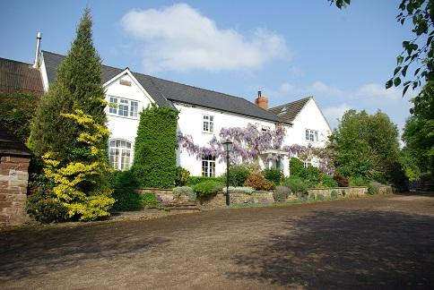 The Lawns Bed & Breakfast