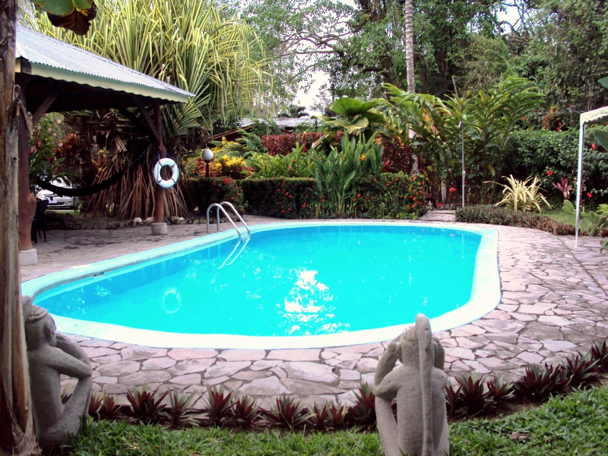 Cabinas Nirvana - Lodge & Resort