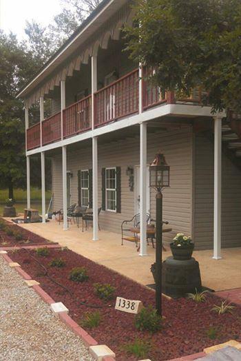Bear Creek Saloon Guesthouse