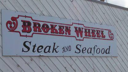 ‪Broken Wheel Restaurant & Lounge‬