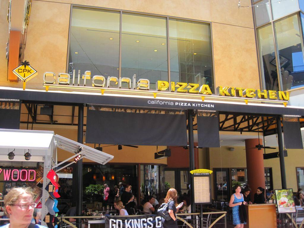 California Pizza Kitchen Los Angeles 6801 Hollywood Blvd Hollywood Restaurant Reviews