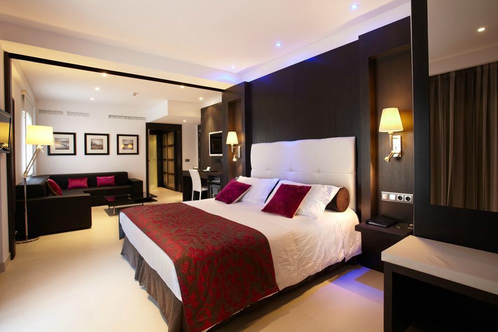 サラトガ ホテル
