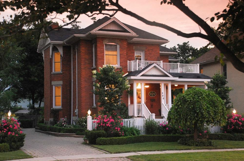 Mornington Rose Bed and Breakfast