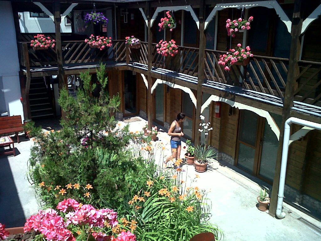 Hostel BazArt