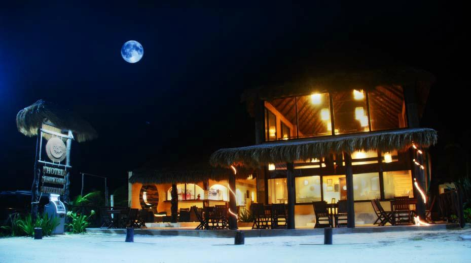 Luna de Plata . Hotel