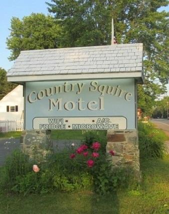 Country Squire Motel