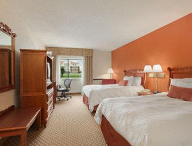 Baymont Inn & Suites Warren MI