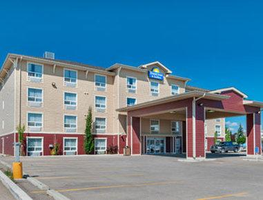 Days Inn & Suites Cochrane