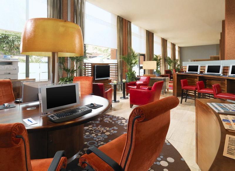쉐라톤 스카이라인 호텔 런던 히스로