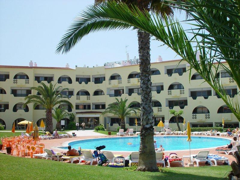 Cheerfulway valmangude jardim updated 2017 hotel reviews for Albufeira jardin