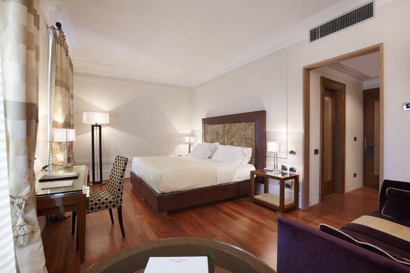 โรงแรมยูนา โรม