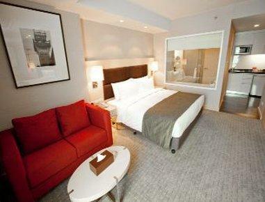Sukhumvit 12 Bangkok Hotel & Suites