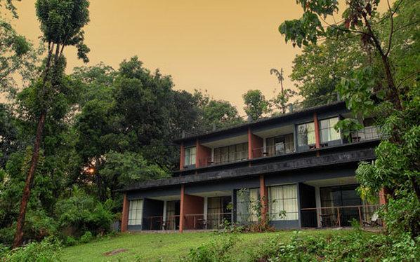 Rainforest Resort Athirapally Falls