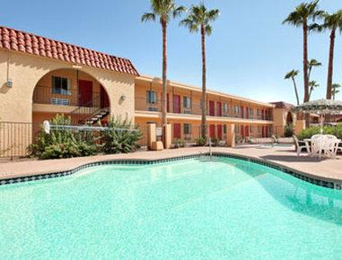 Bell Hotel Inn & Suites