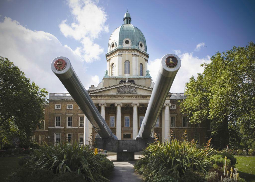 Resultado de imagem para England's Imperial War Museum