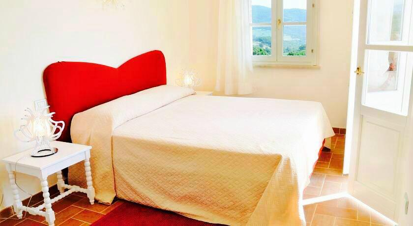 Gualdo Cattaneo Italy  city pictures gallery : La Posta di Bacco Gualdo Cattaneo, Italy Guest house Reviews ...