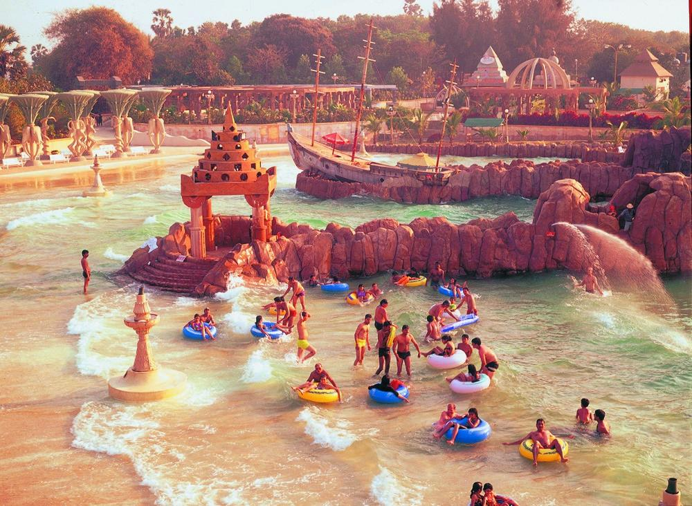 water kingdom , mumbai water parks