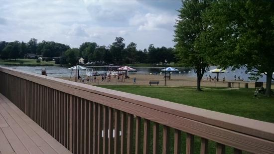 Lake Santee Beachfront Grill