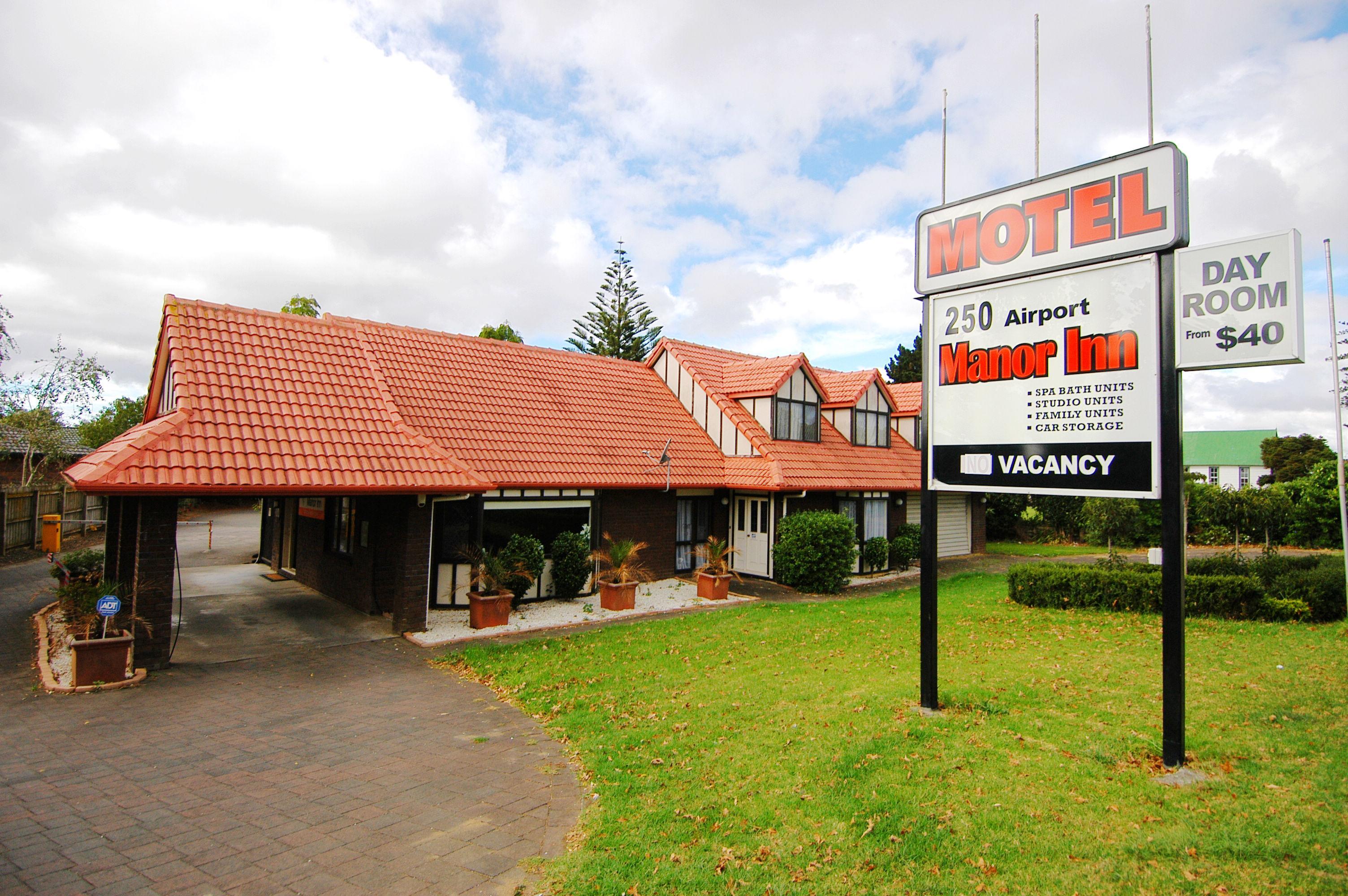 Airport Manor Inn