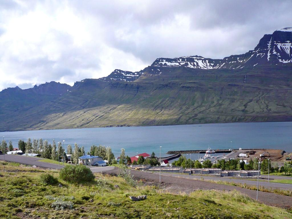 Faskrudsfjordur Iceland  city photo : Guesthouse Elinar Helgu Iceland/Faskrudsfjordur Q&A B&B Reviews ...