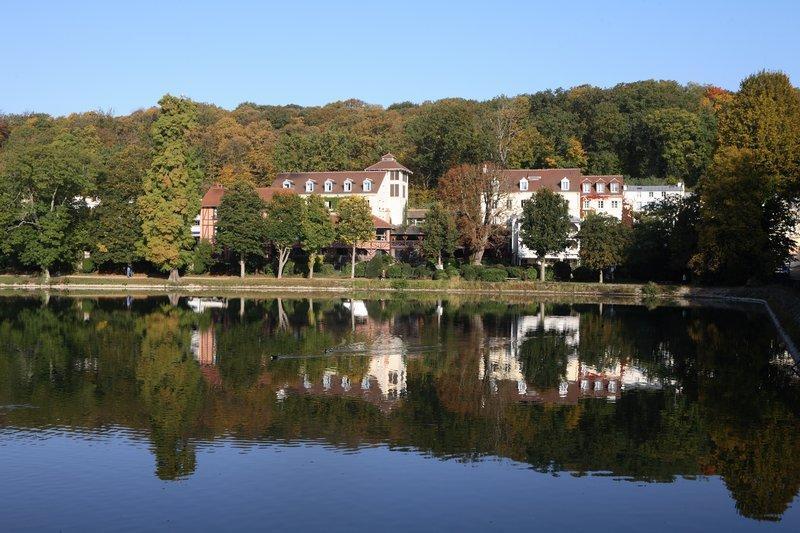 柯羅的池塘酒店