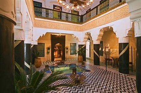艾爾曼蘇爾住宿酒店