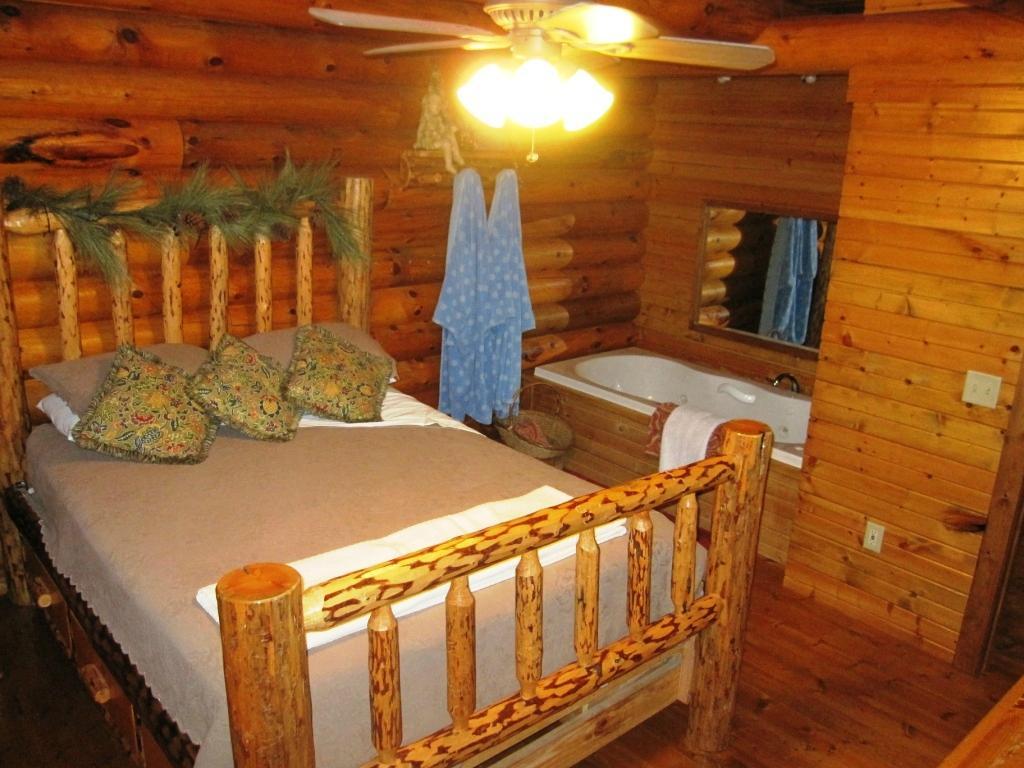 Grumpsters Log Cabin Getaways