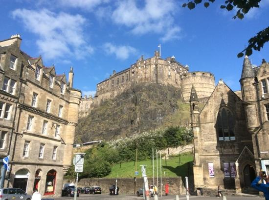 Edinburgh Literary Pub Tour