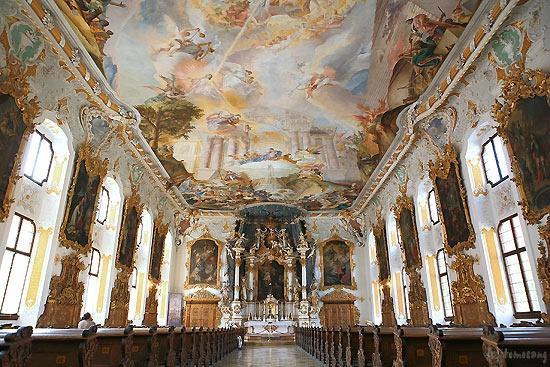 Maria de Victoria Church