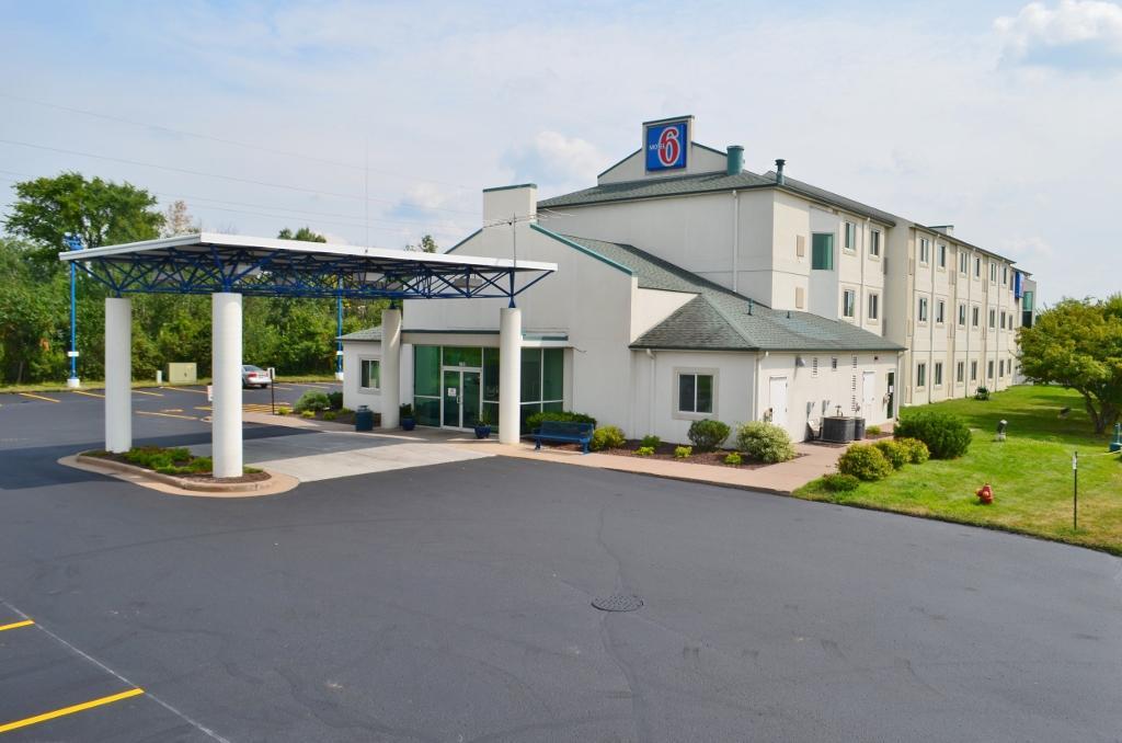 Motel 6 Menomonie