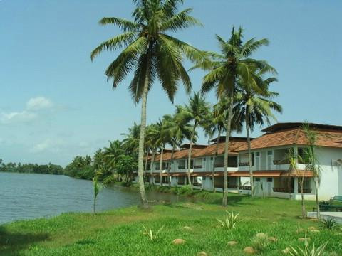 Manor Backwater Resort