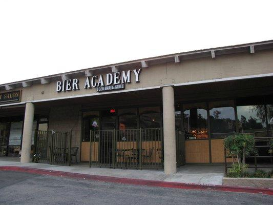 ‪Bier Academy, Beer Bar & Grill‬