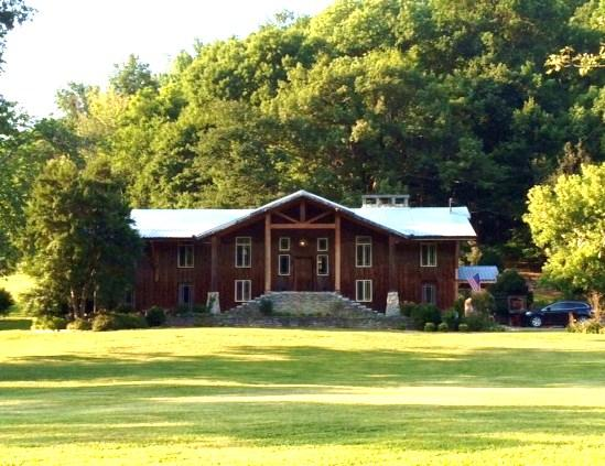 Cascade Hollow Lodge Bed and Breakfast