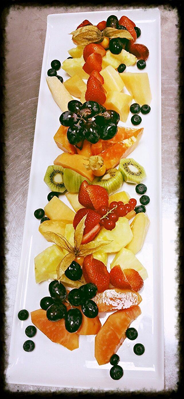Al Nafourah Fruit Platter