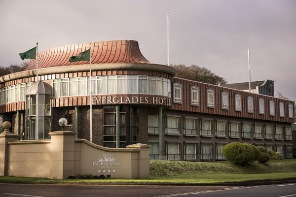 エバーグレイズ ホテル