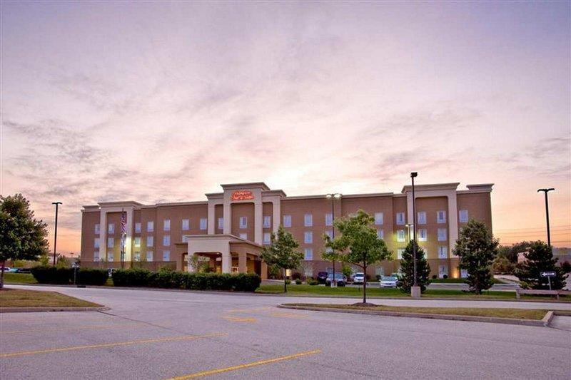 Hampton Inn & Suites Cedar Rapids - North