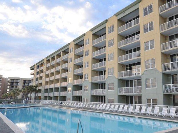 Waters Edge Beach Resort