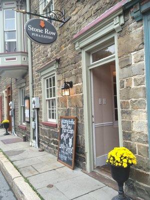 Stone Row Pub & Eatery