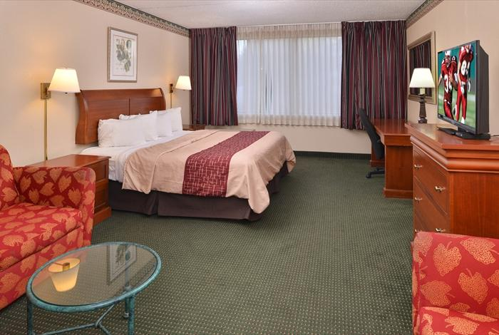 Good Red Roof Inn U0026 Suites Newark   University   Hotel Reviews, Photos, Rate  Comparison   TripAdvisor