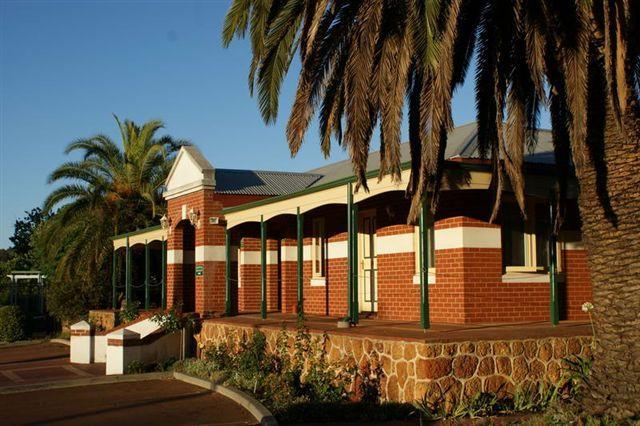 尼爾森布里奇頓飯店