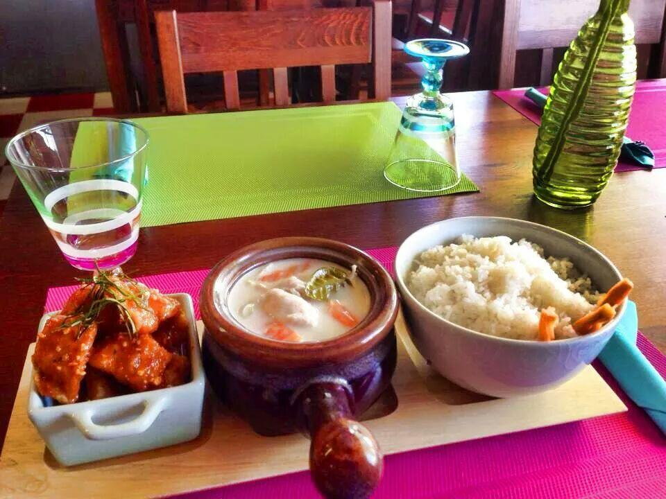 Bualauangsiam thai roi et kokkola restaurant reviews for Ar roi thai cuisine