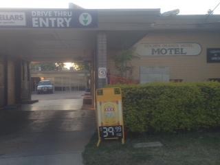 Golden Orange Hotel Motel