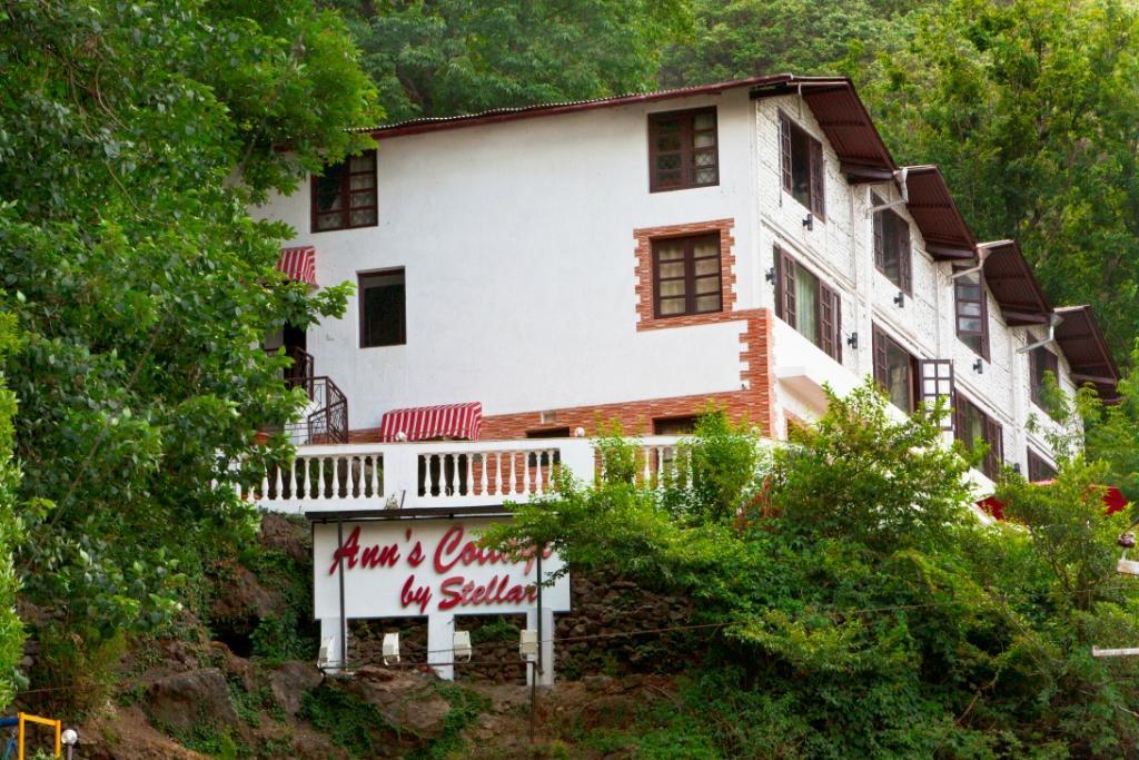 Ann's Cottage by Stellar