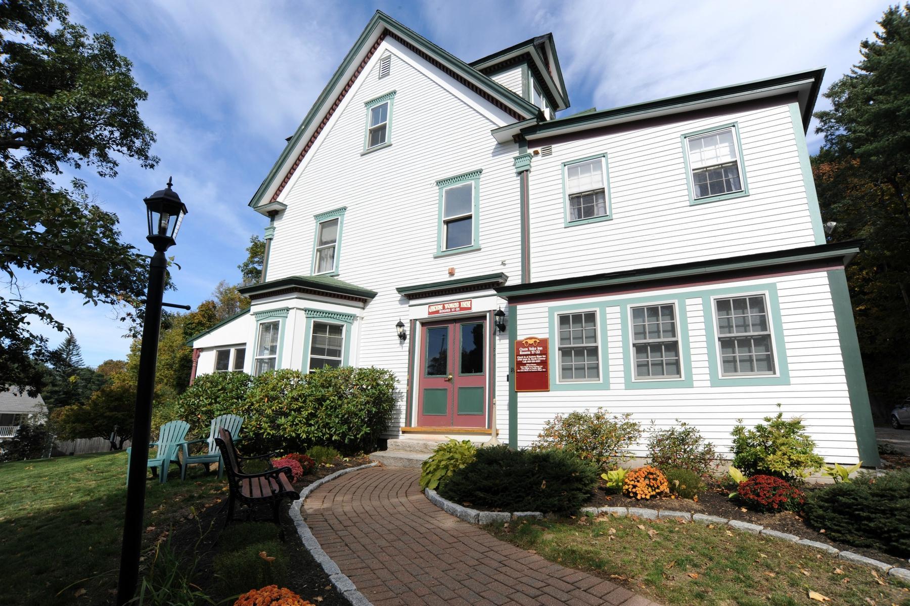 Oxen Yoke Inn, Motel & Cottages