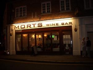 ‪Morts Wine Bar‬